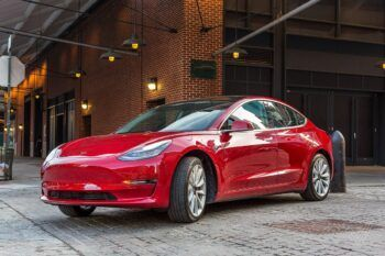 Tesla ремонт в Минске