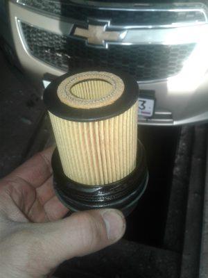 Замена масляного фильтра Chevrolet