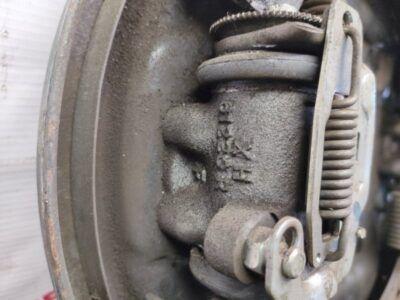 Замена тормозных цилиндров Mitsubishi