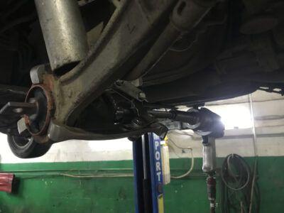 Замена сайлентблоков рычагов подвески Mitsubishi