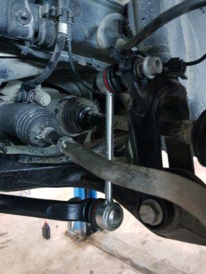 Замена стоек стабилизаторов Mercedes