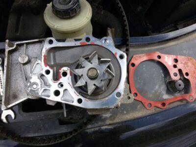 Замена насоса охлаждения (помпы) Renault