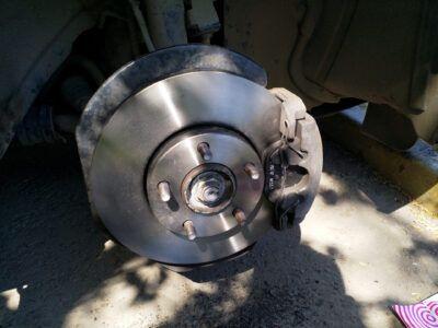 Замена тормозных дисков Mazda
