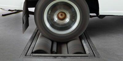 Проверка тормозных усилий на стенде Renault