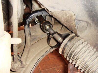 Замена рулевой тяги Renault