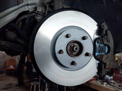Замена тормозных колодок Ford