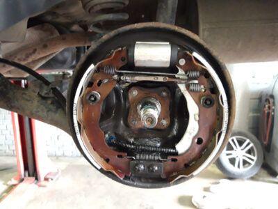 Замена тормозных барабанов Renault