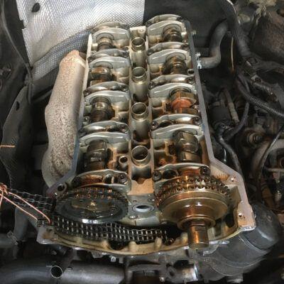 Замена маслосъемных колпачков Mercedes