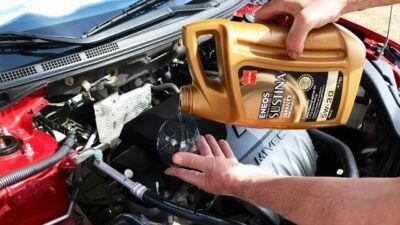 Замена масла в двигателе Ford