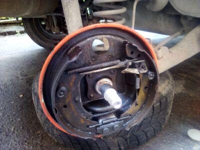 Замена тормозных цилиндров Renault