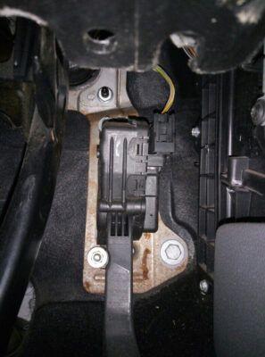 Замена салонного фильтра Ford