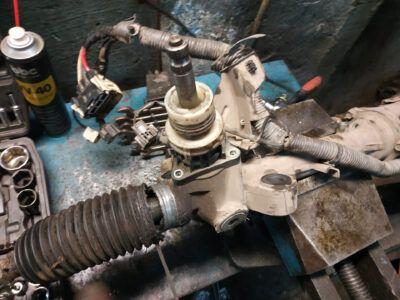 Замена рулевой рейки Mazda