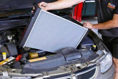 Замена радиатора охлаждения Aston Martin