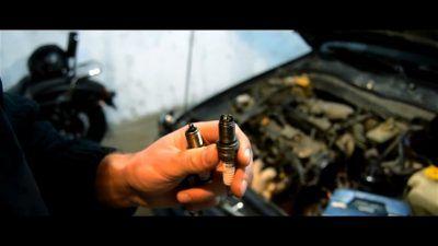 Замена свечей зажигания Aston Martin
