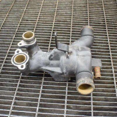Замена термостата Aston Martin