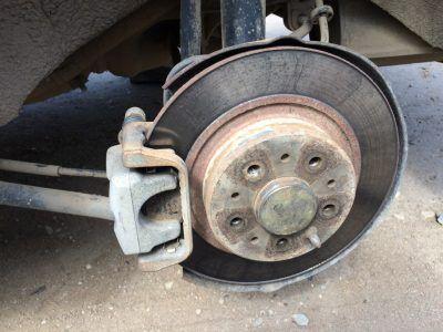 Замена тормозных колодок Alfa Romeo