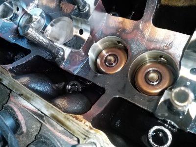 Замена маслосъемных колпачков Audi