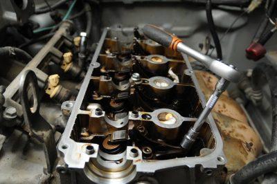 Замена маслосъемных колпачков Bentley