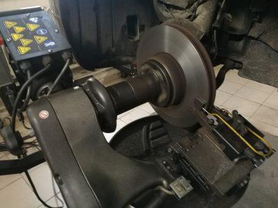 Проточка тормозных дисков BMW